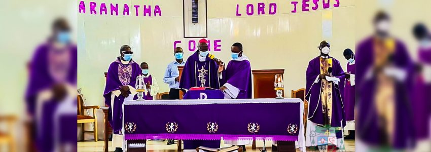 Archbishop-Kwofie-paid-a-visit-to-the-Holy-Family-Parish,-Mataheko
